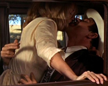 medium_bonnie-clyde_dunaway-beatty.2.jpg